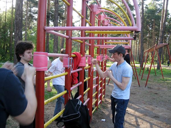 Вин Чун в Новосибирске.Тренировки на открытой спортплощадке. Работа на снарядах